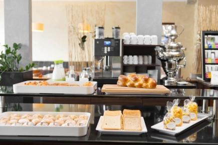 Buffet de petit-déjeuner au NH Hôtel (version espérée)